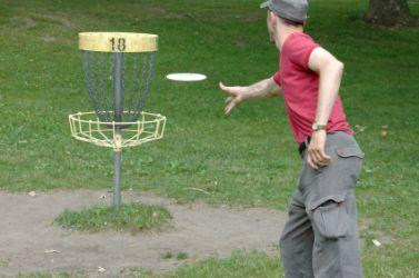 Putt disc golf